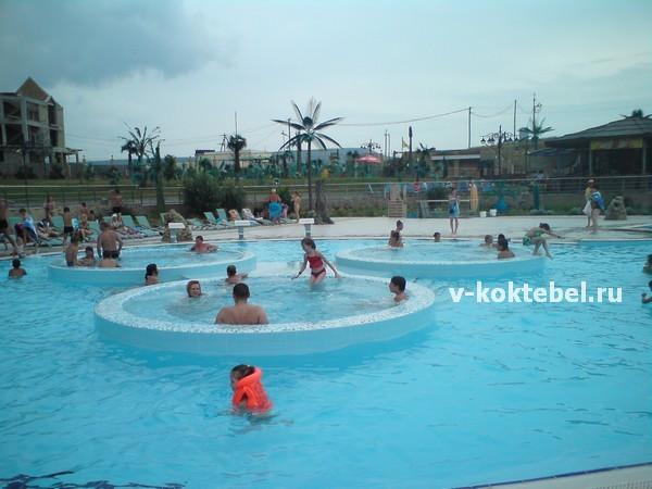 отдых-в-Коктебеле-с-детьми-2013 - аквапарк-Коктебель