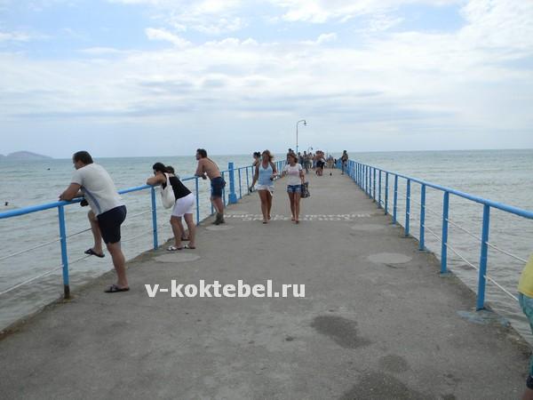 Курорт-Коктебель-в-Крыму - центральный-пирс