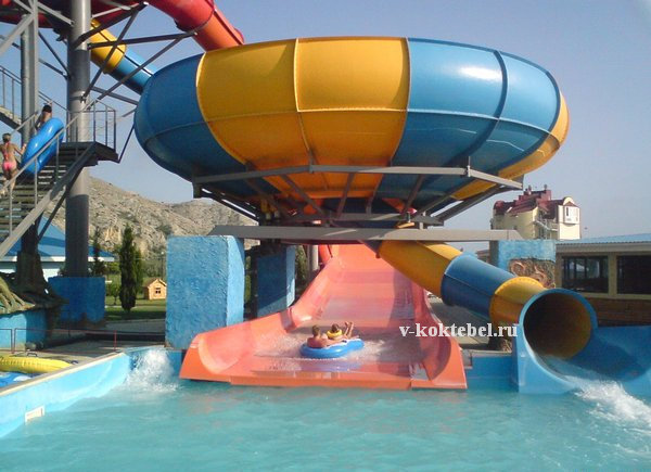 отдых в Судаке - аквапарк на фото
